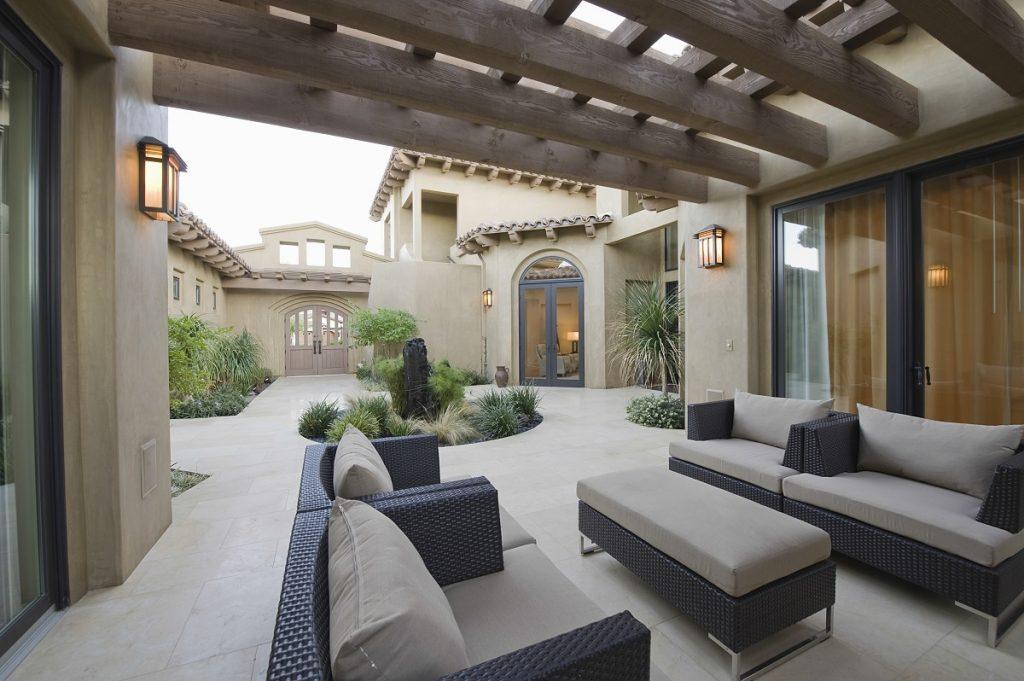 outdoor living room